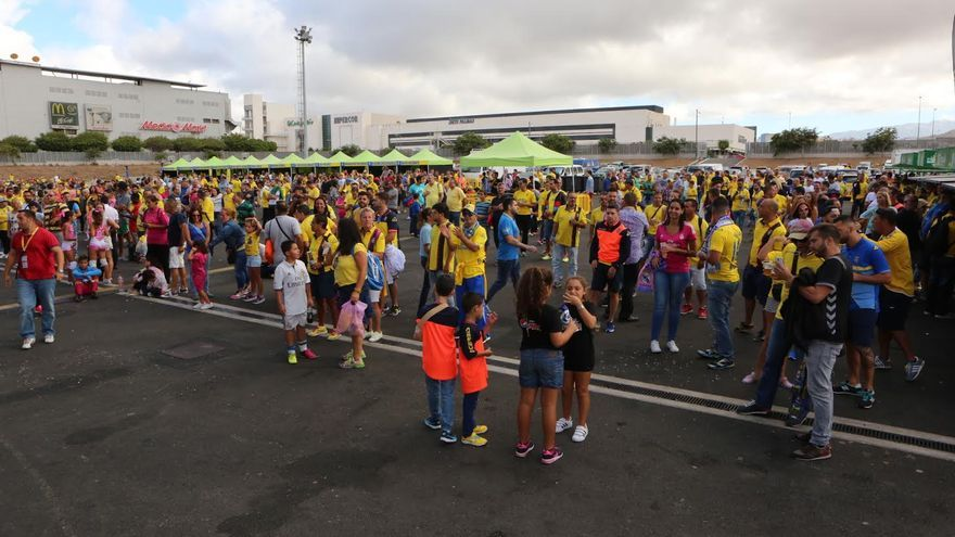 'Fan zone' de la UD Las Palmas. (ALEJANDRO RAMOS)