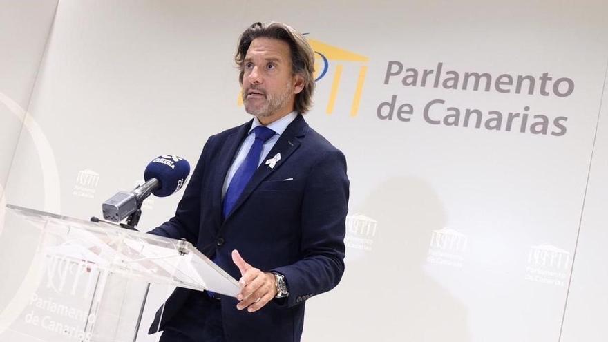 Gustavo Matos, en el Parlamento de Canarias