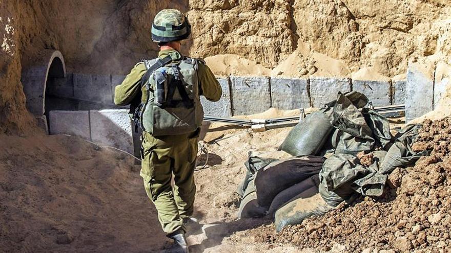 Un palestino muerto y cuatro heridos en derrumbe de túnel en Gaza