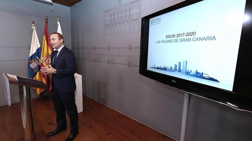 El alcalde de Las Palmas de Gran Canaria, Augusto Hidalgo, presentó hoy los proyectos incluidos en la Estrategia de Desarrollo Urbano Sostenible e Integrado (DUSI) para el Cono Sur.