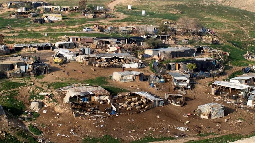 """Israel dice que la UE """"está obsesionada"""" con las demoliciones, tras una protesta"""
