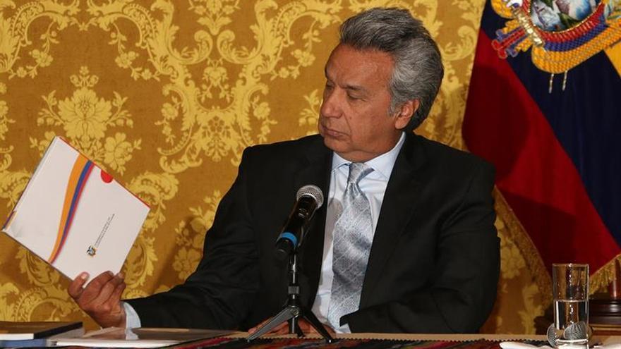 El presidente saliente de Ecuador da información a su sucesor para la transición