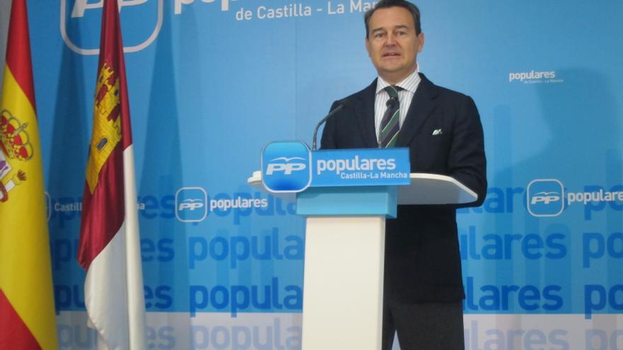 """Conde (PP) asegura que """"Bárcenas es un delincuente que pretende esconder su delito y el partido es una víctima más"""""""