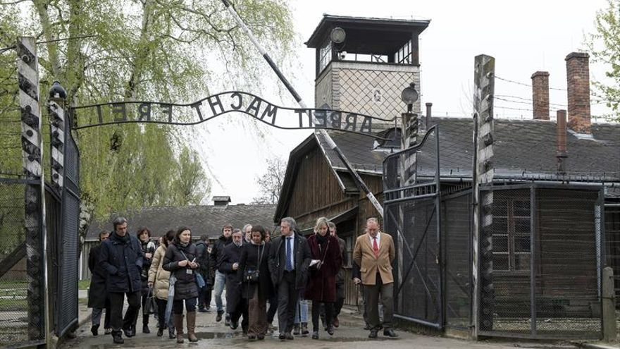Urkullu en Auschwitz: El valor supremo es el respeto a la dignidad humana