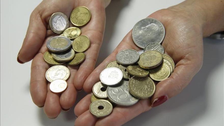 El euro baja en la apertura hasta los 1,1171 dólares en Fráncfort