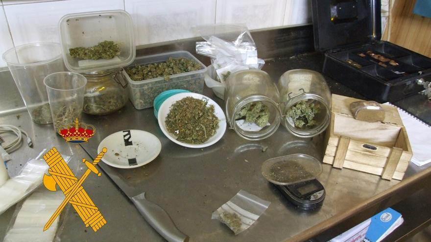 Detenida la directiva de una asociación cannábica de Roquetas de Mar por presunto tráfico de drogas
