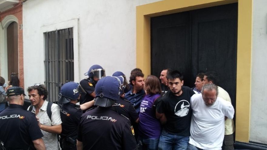 """PCSSP dice que Ayuntamiento trabaja para que familia desahuciada tenga """"vivienda digna"""" y """"no haya desahucios"""""""