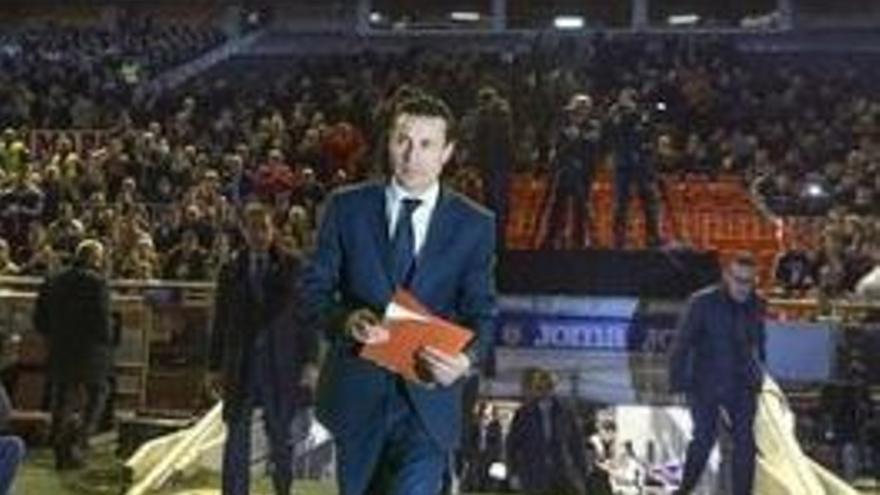Amadeo Salvo, presidente del Valencia CF, en Mestalla.