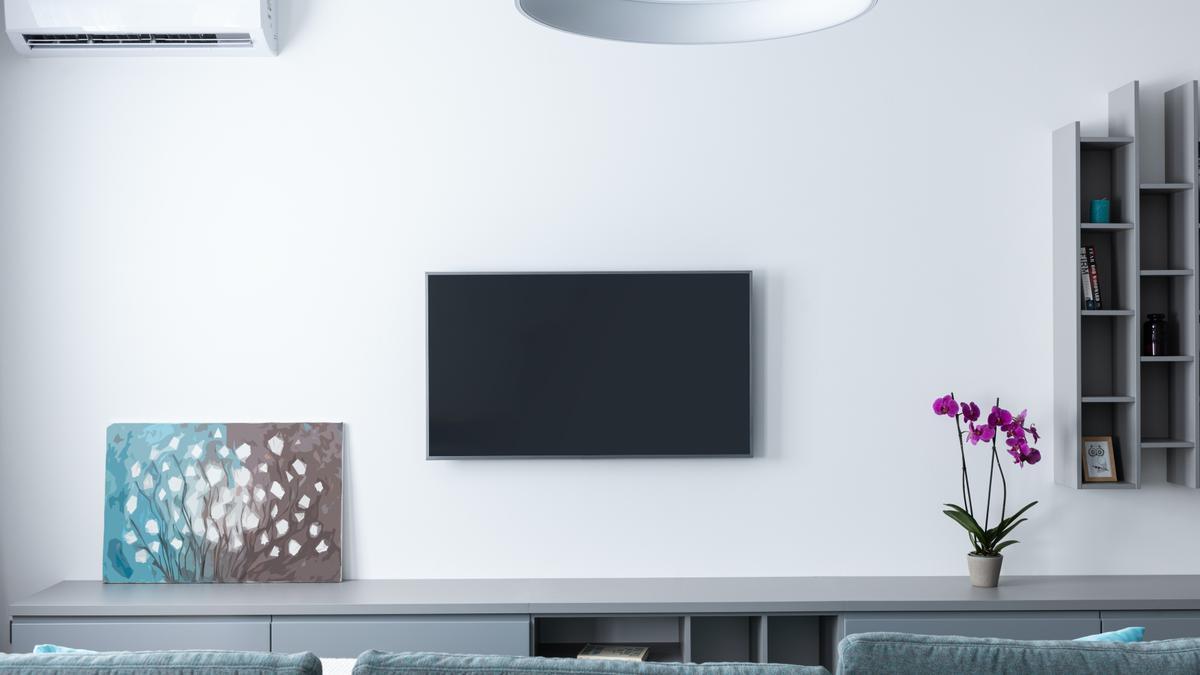 Guía rápida para saber todo lo que necesitas al escoger soporte para tu monitor o televisor