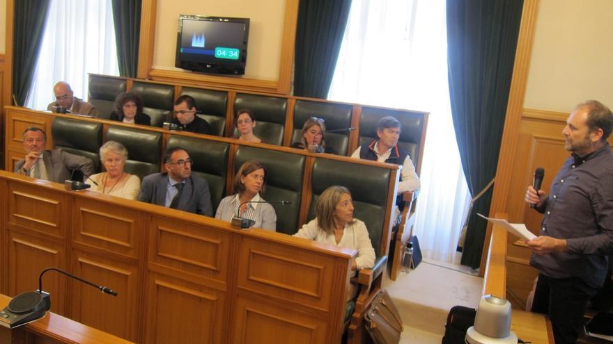 Víctimas del Alvia instan al portavoz del PP en Santiago a pedir perdón en el pleno del Ayuntamiento