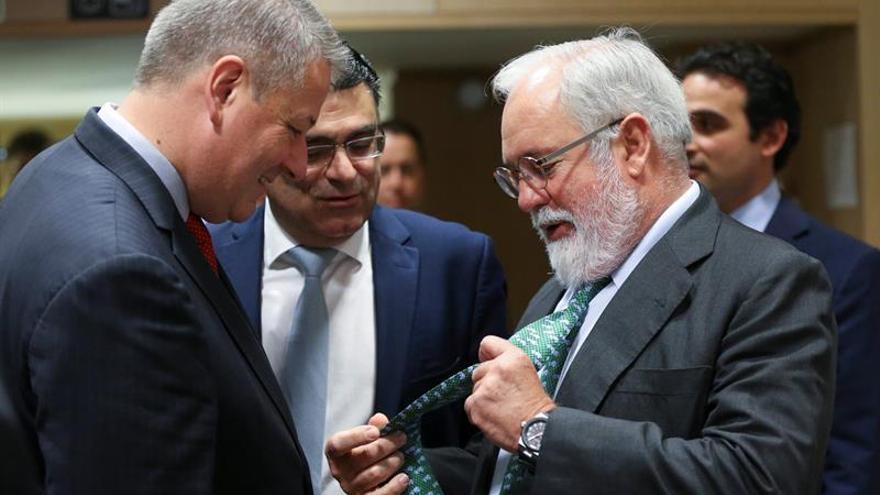 El PE abre puerta a que Cañete comparezca ante la comisión jurídica por casos como el de Acuamed