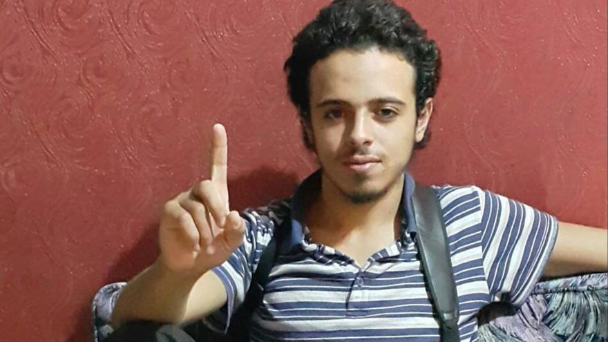 Bilal Hadfi detonó una bomba suicida en las puertas del Estadio de Francia durante los ataques de París.