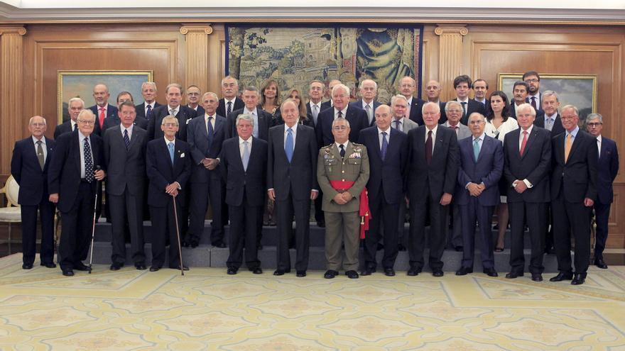 El rey trata el futuro de la defensa europea ante la crisis con EuroDefense