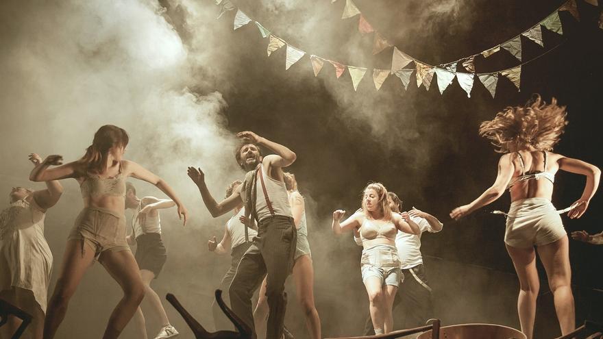 Representación de 'Danzad malditos', adaptación libre de la célebre película de Sidney Pollack.