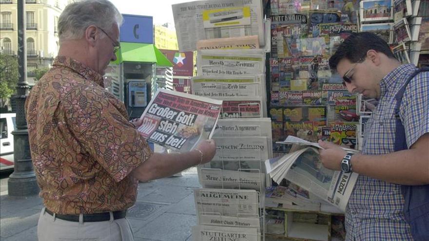 El diario El País retira de su web y edición impresa una falsa foto de Chávez
