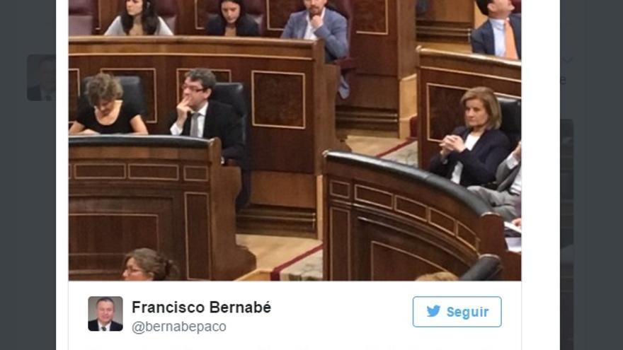 Tuit de un diputado del Partido Popular con insultos a Irene Montero y Pablo Iglesias durante la moción de censura.