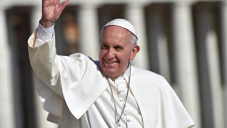 """El Papa califica de """"vergonzosas"""" las situaciones de precariedad y trabajo negro"""