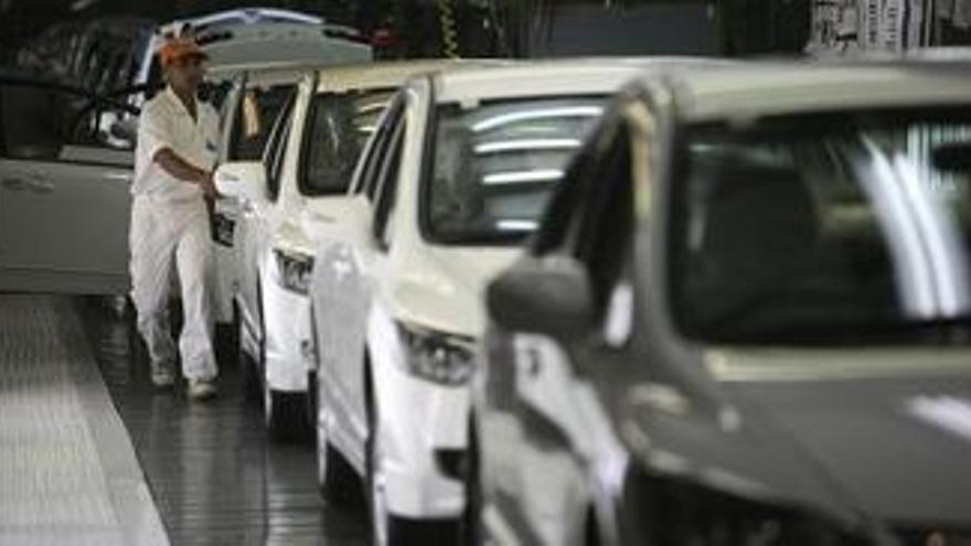Las ayudas públicas al automóvil impedirán la reconversión que necesita el sector