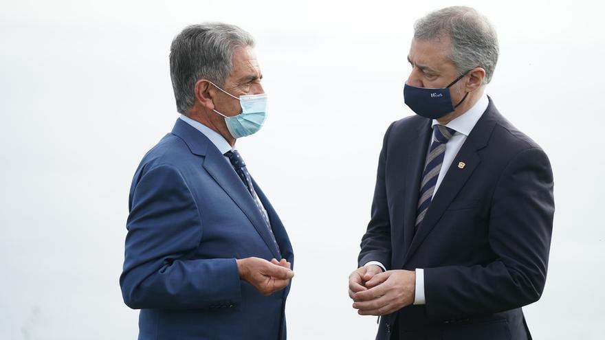 Revilla cree que el resultado de las elecciones vascas favorece la buena relación entre Cantabria y País Vasco