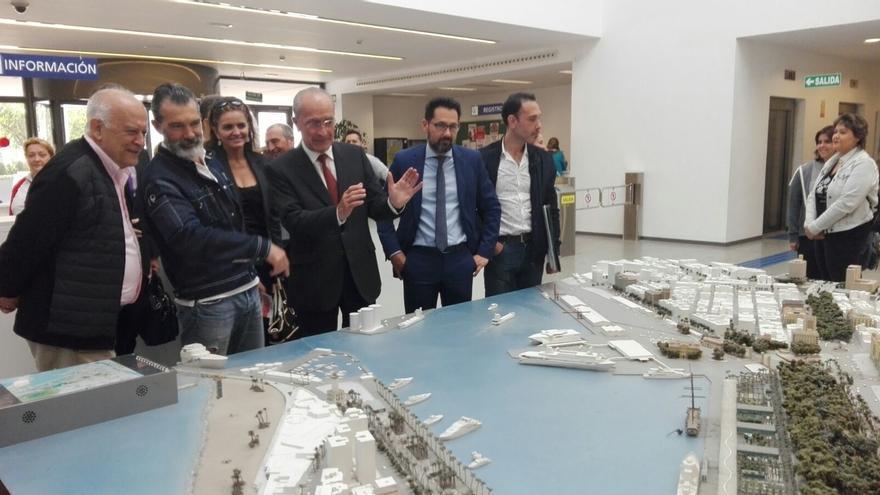 """De la Torre ve """"inteligente"""" la decisión de Banderas con su proyecto y asegura que será """"bueno para Málaga"""""""