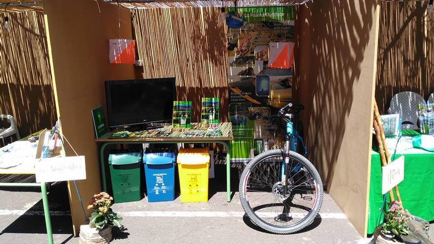 imagen de archivo de un estand de ExpoVida de Tijarafe.