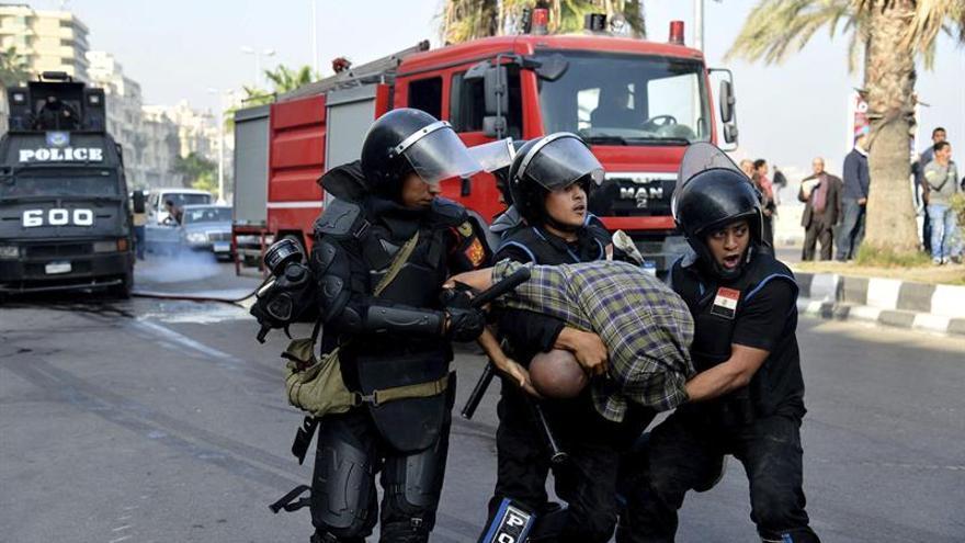 Condenados a cadena perpetua 42 islamistas por protestas en El Cairo en 2013