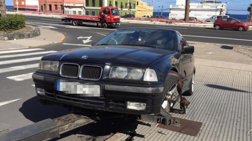 El vehículo decomisado tras ser detenido en la zona de San Cristóbal.