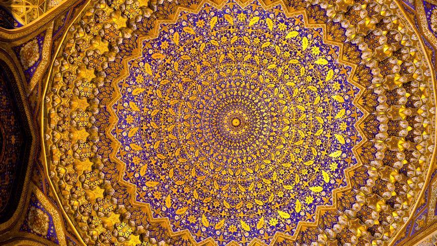 Cúpula dorada de la Mezquita de Bibi Khanum, en Samarcanda.