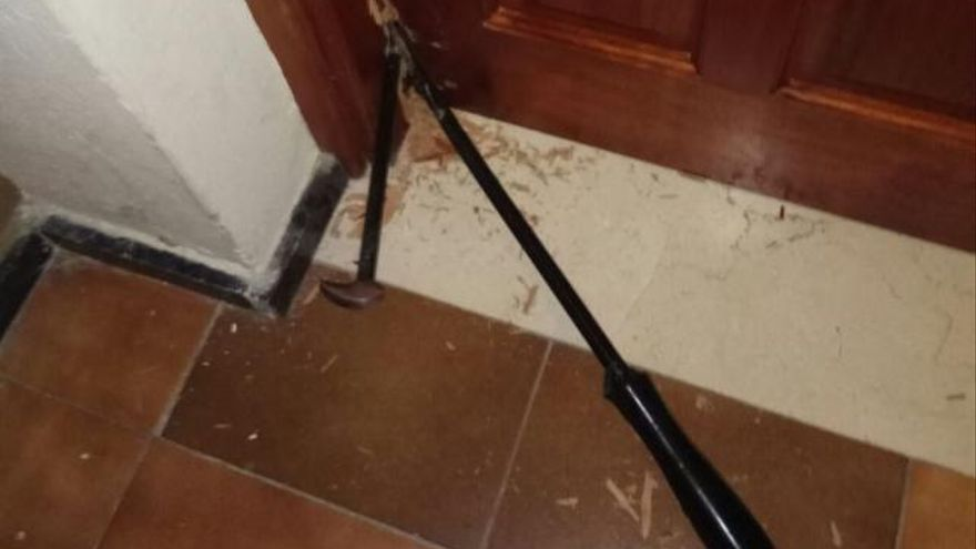 Detenidos dos hombres pillados 'in fraganti' forzando la puerta de una oficina de Las Palmas de Gran Canaria