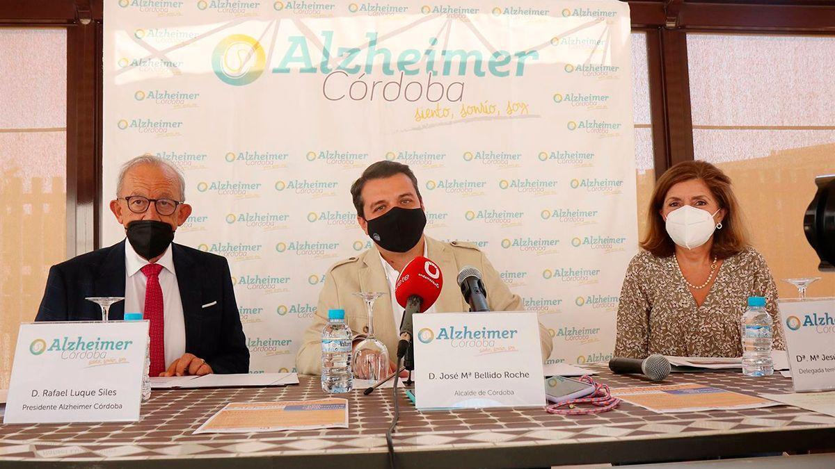 Bellido en la Asociación Alzheimer San Rafael de Córdoba.