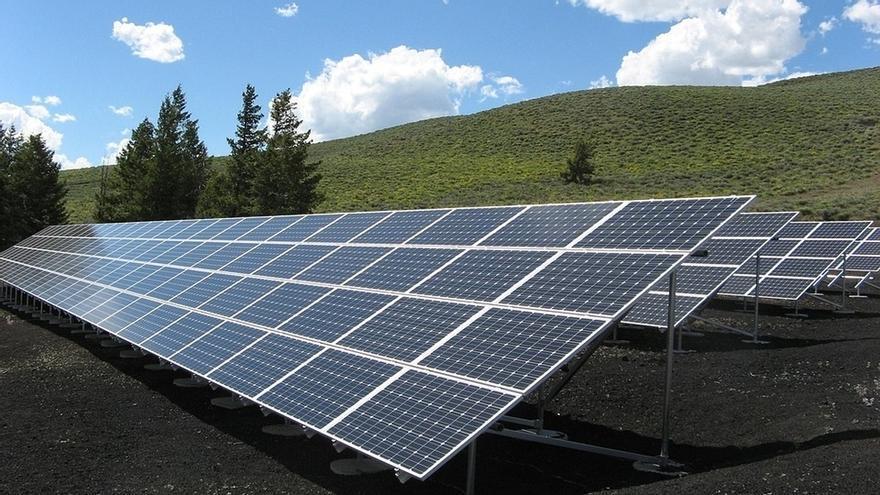 El sector fotovoltaico español instaló 135 megavatios de potencia en 2017, más del doble