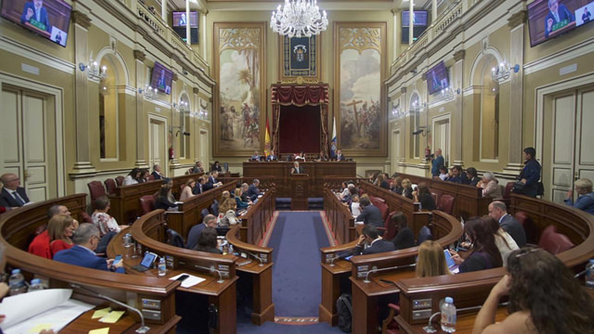 Parlamento de Canarias, en una sesión este mes de marzo