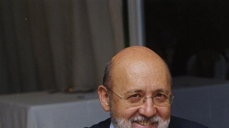 """Tezanos pide """"no matar al mensajero"""" por la encuesta del CIS y atribuye la bajada del PP a la """"crispación"""""""