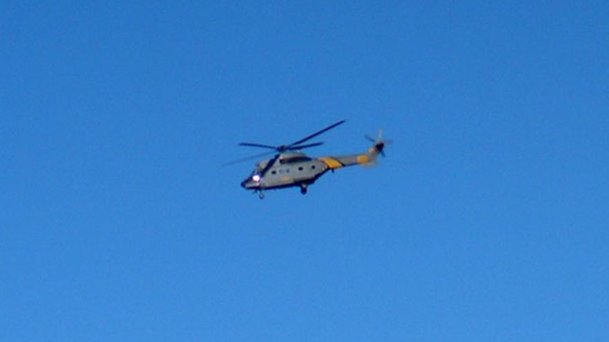 De un helicóptero posándose en el Tablón del Nublo #11