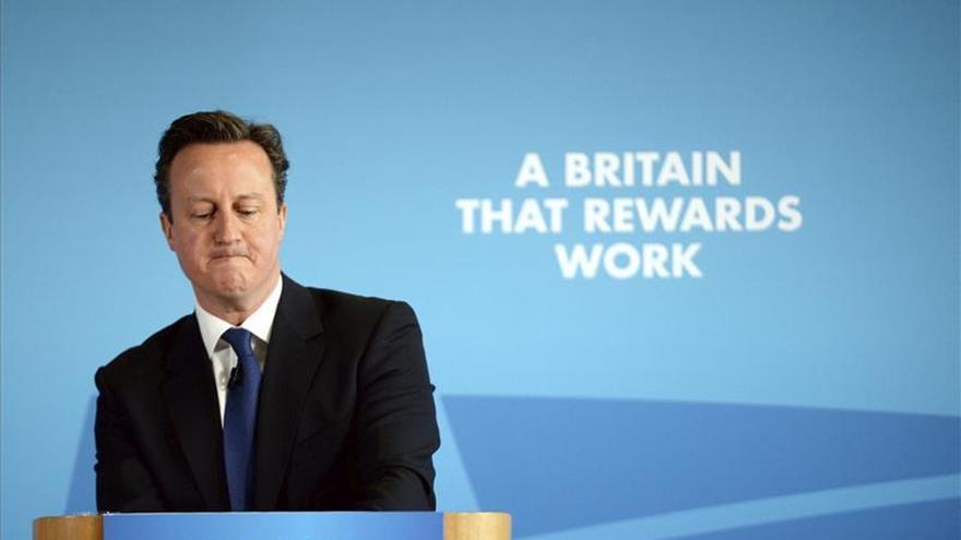 """Los """"tories"""" exigirán a los jóvenes trabajo comunitario para cobrar el paro"""