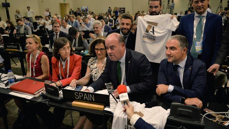 La delegación celebra la declaración de Patrimonio Mundial por la Unesco.