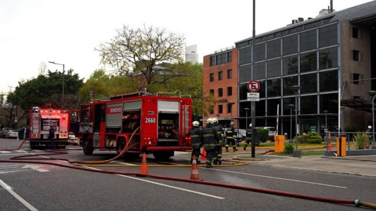 El incendio en un restaurante de Puerto Madero fue controlado por los bomberos.