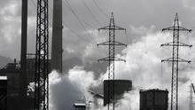 Imagen de archivo de la central térmica de Lada, en la cuenca minera del Nalón, en 2008. EFE