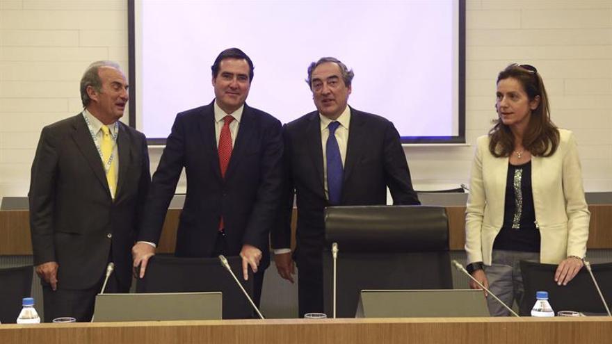 La CEOE española expone a Cameron su preocupación por una salida de la UE