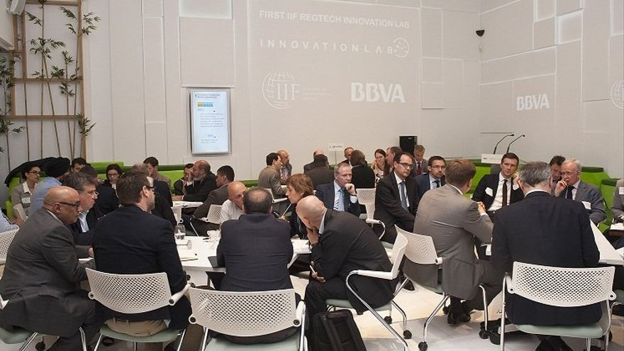 Asistentes al primer Regtech Innovation Lab.