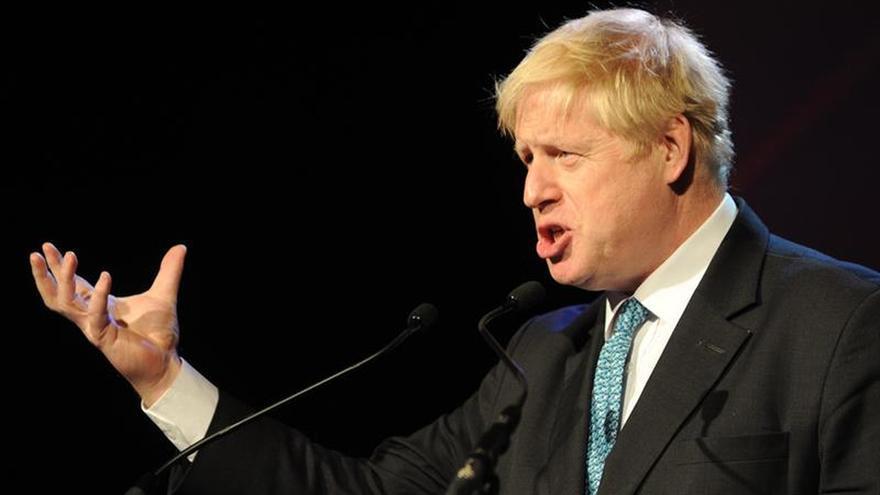 """Johnson dice que el rechazo al acuerdo da un """"mandato masivo"""" para renegociar"""
