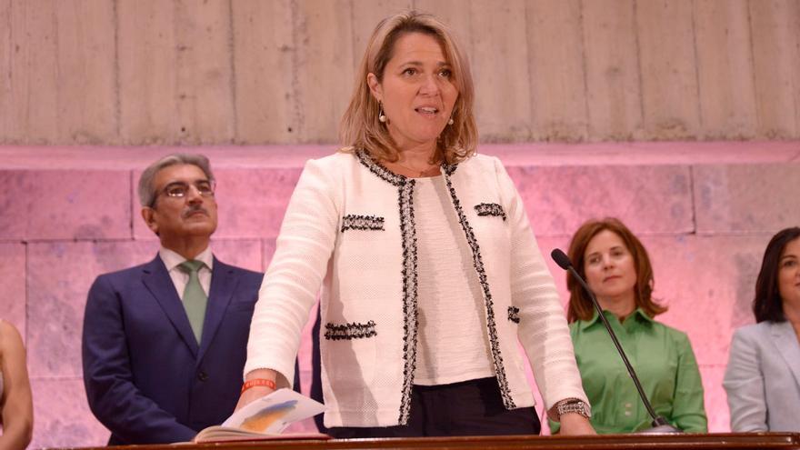 Alicia Vanoostende (PSOE), en la toma de posesión de su cargo de consejera canaria de Agricultura