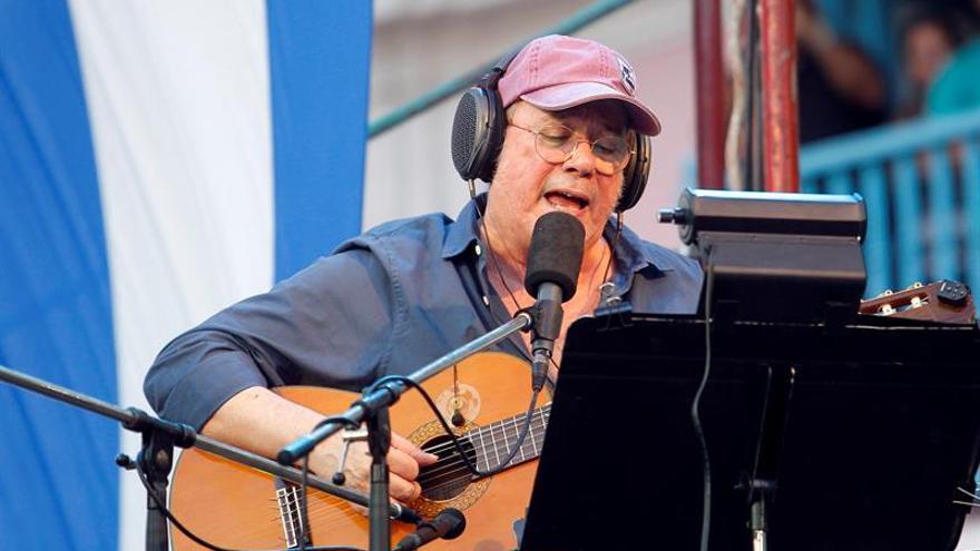 Silvio Rodríguez dedica concierto a campaña de salud en La Habana Vieja