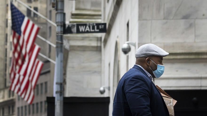 Wall Street abre mixto y el Dow Jones baja 0,32 % pendiente del plan de infraestructura