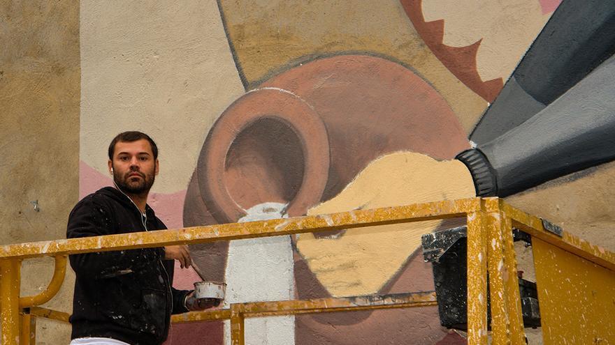 David Bravo en el mural de Moraleja