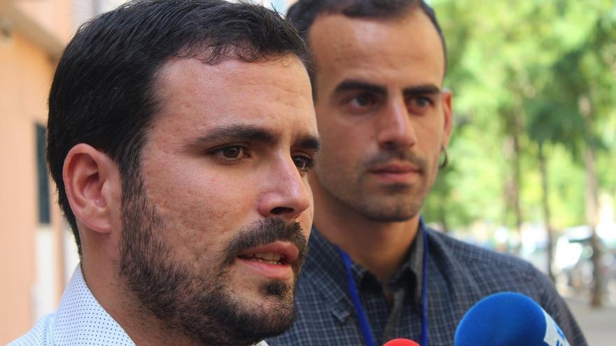 """Garzón (IU), """"sorprendido"""" por """"el juego de trileros"""" del PSOE, PP y C's de cara a la formación de gobierno"""