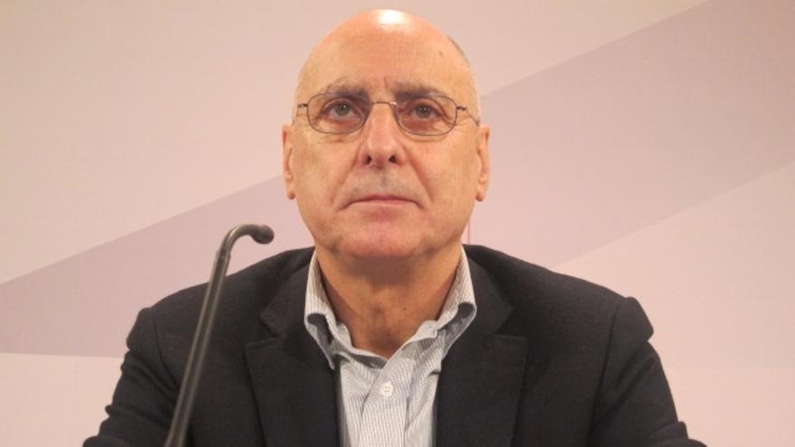 """Ares abandona el Parlamento vasco """"por razones personales y políticas"""""""