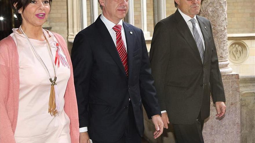 Urkullu y Mas coinciden en que el acuerdo es la base de la política