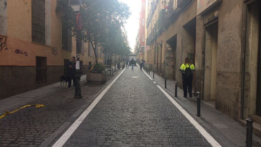 En la calle de la Palma y en muchas otras se está ampiando el espacio para los peatones.