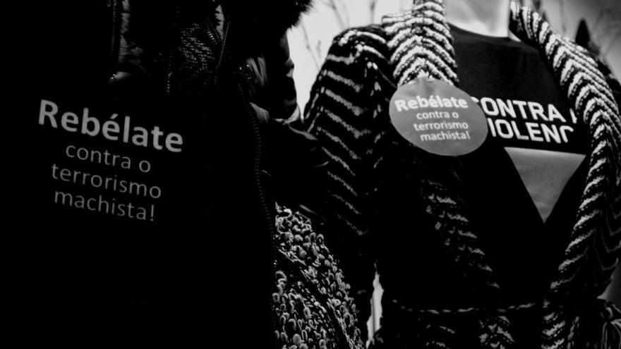 Maniquíes con camisetas de la campaña